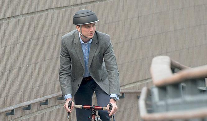 Closca Fuga, el casco plegable para montar en bicicleta