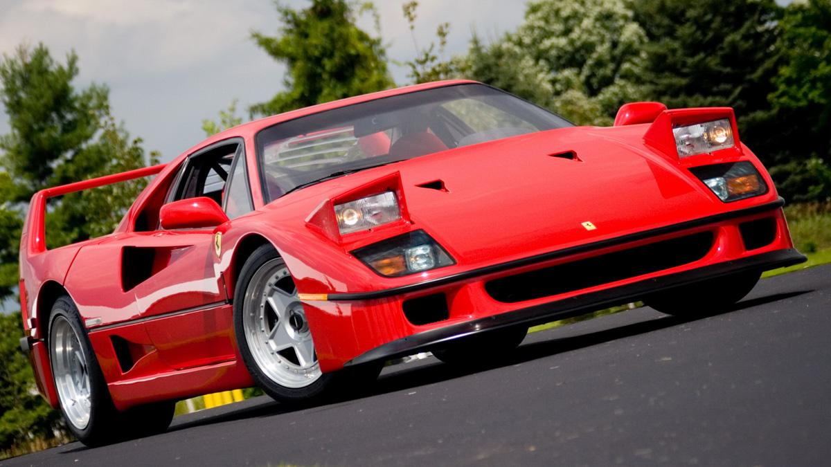 coches-antiguos-sigen-siendo-rapidos-Ferrari-F40