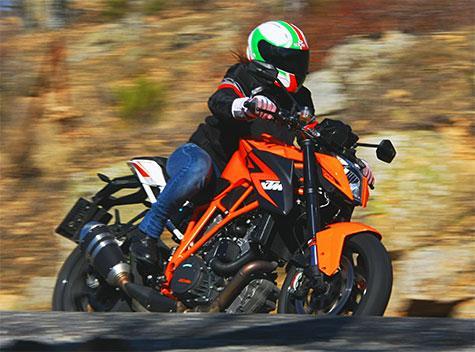 KTM 1290 SUPER DUKE R:la naked austriaca llamada a revisión
