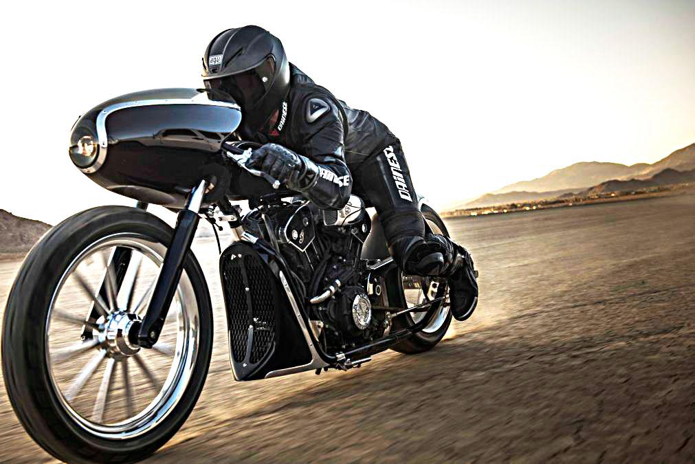"Indian  ""Black Bullet Scout"" rodando"