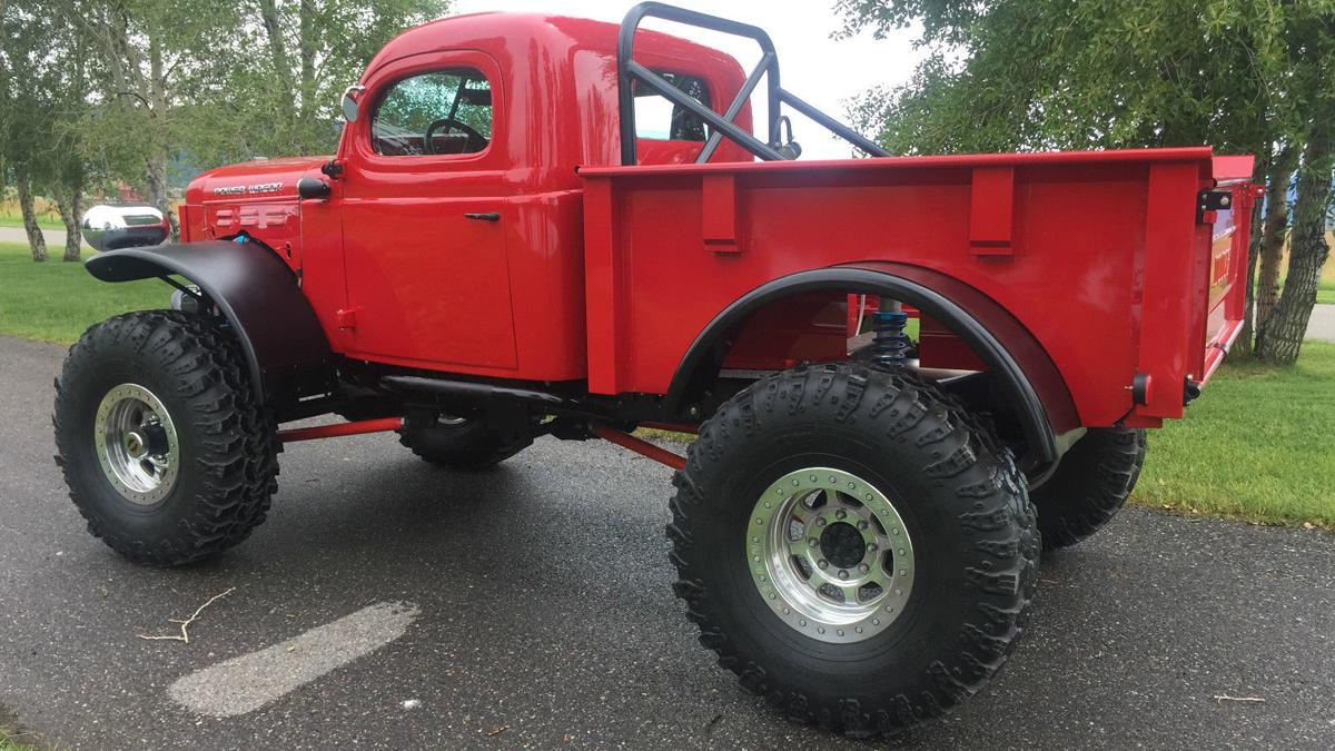 Dodge Power Wagon lateral
