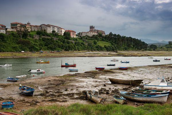 Vistas de San Vicente de la Barquera. Foto: Turismo de Cantabria.
