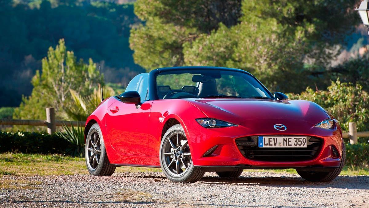 Destroza su nuevo Mazda MX-5 y le dan uno nuevo