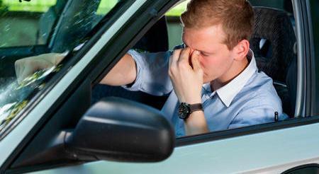 Seis consejos para no marearte en el coche