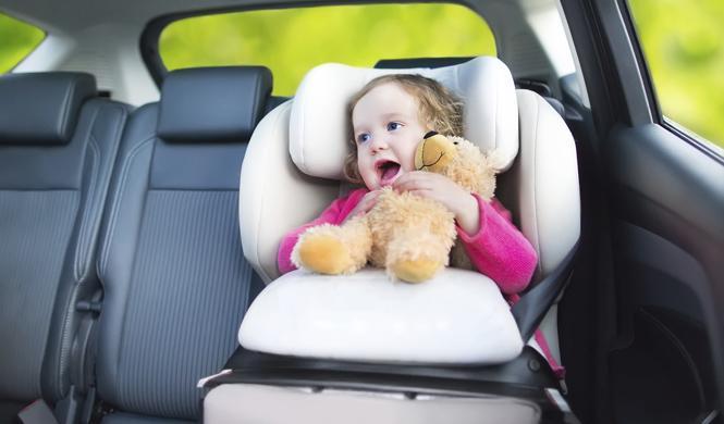 Cómo evitar la muerte de bebés por calor en el coche
