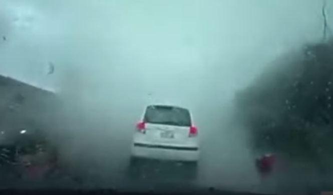 Esto es lo que ocurre cuando un tornado absorbe un coche