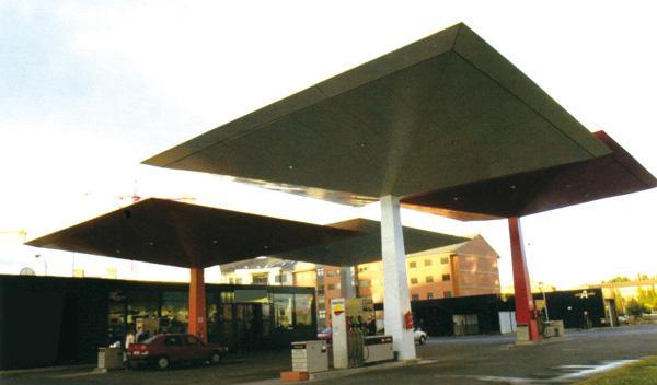 Una familia olvida a su hija en una gasolinera francesa