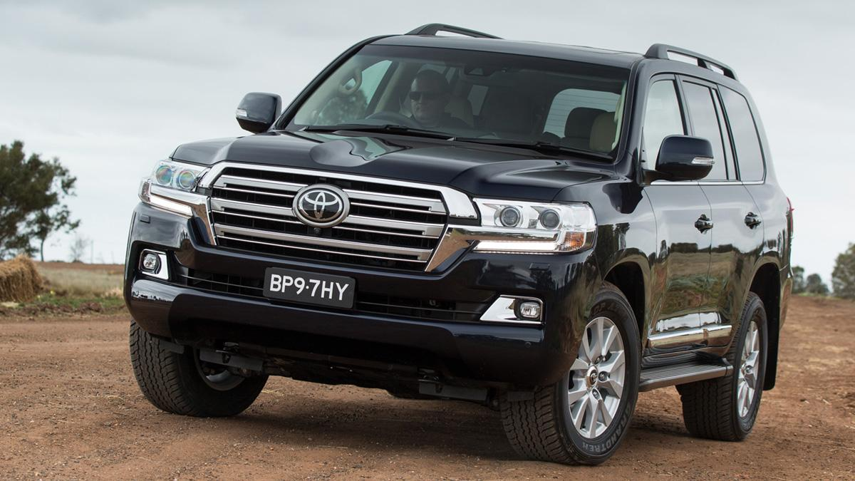 Toyota-Land-Cruiser-200-2016