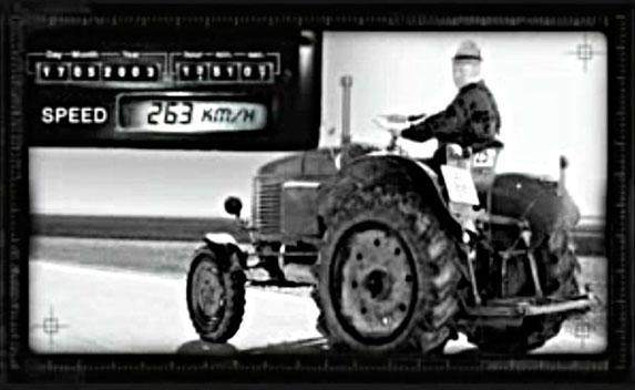 Video: un tractor rebasa a la Kawasaki a 263 km/h… ¿o no?