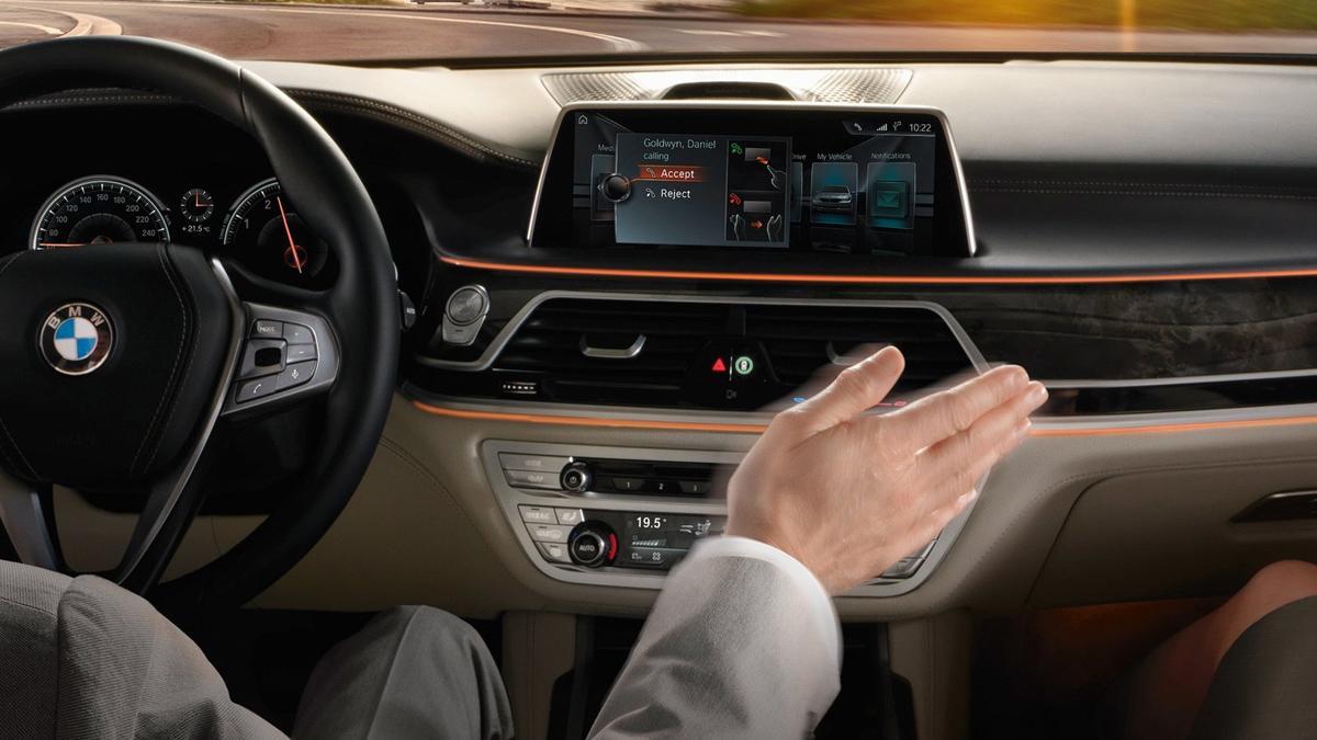 soluciones-tecnológicas-coches-2016-control-gestual