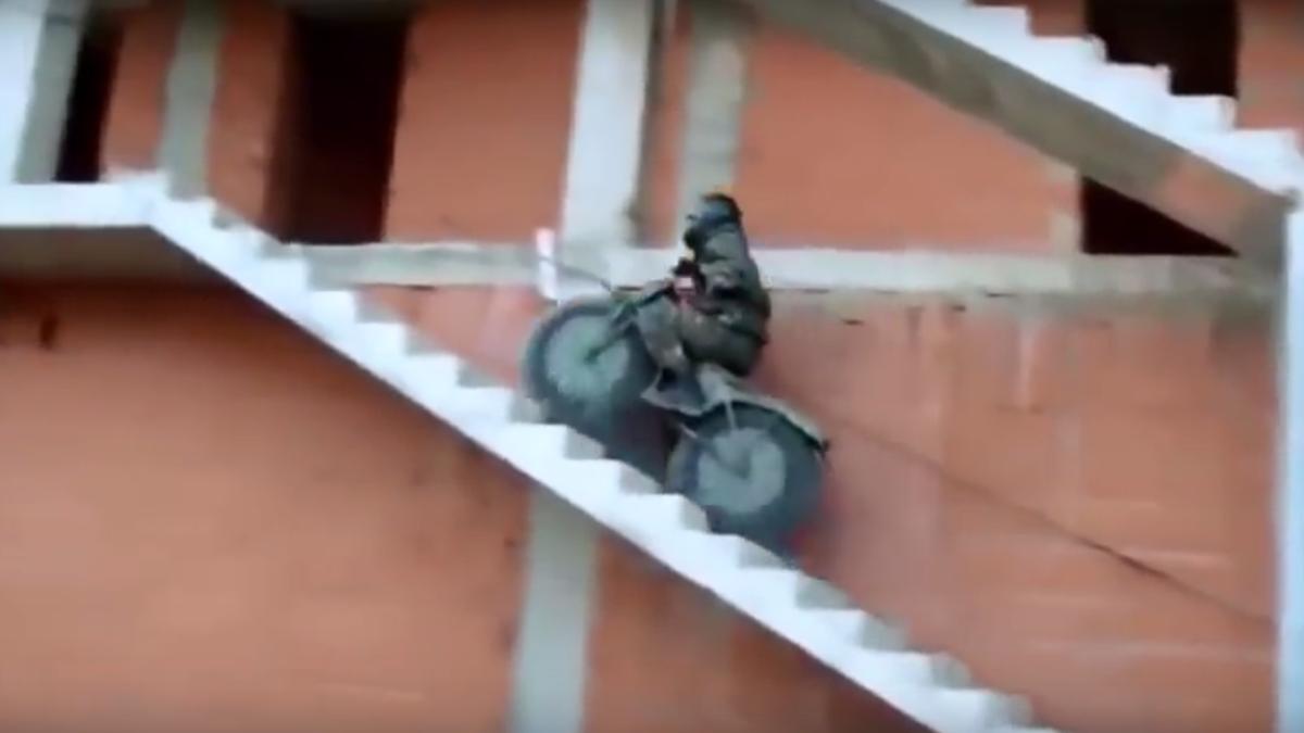 Vídeo: Tarus 2M, ¡la moto más práctica del mundo!