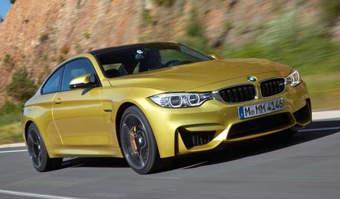 Un BMW M4 se convierte en pollito amarillo