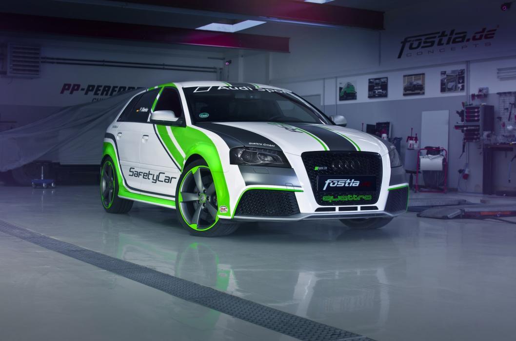 Audi RS3 Mk1 by Fosla tres cuartos delanteros