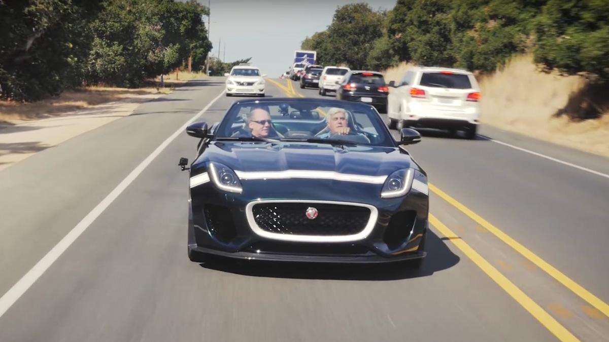 Jay Leno disfruta al volante del Jaguar F-Type Project 7