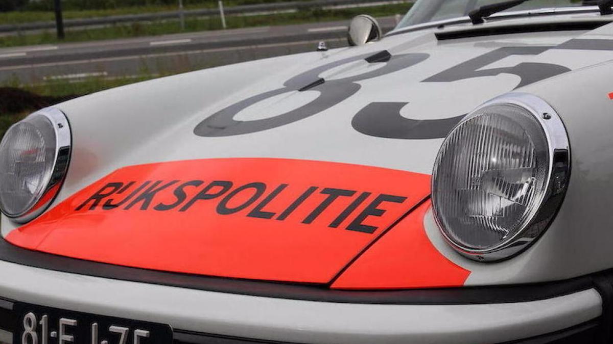 Porsche 911 Targa policía holandesa faros