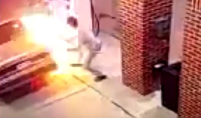 Quema su coche y una gasolinera intentado matar a una araña