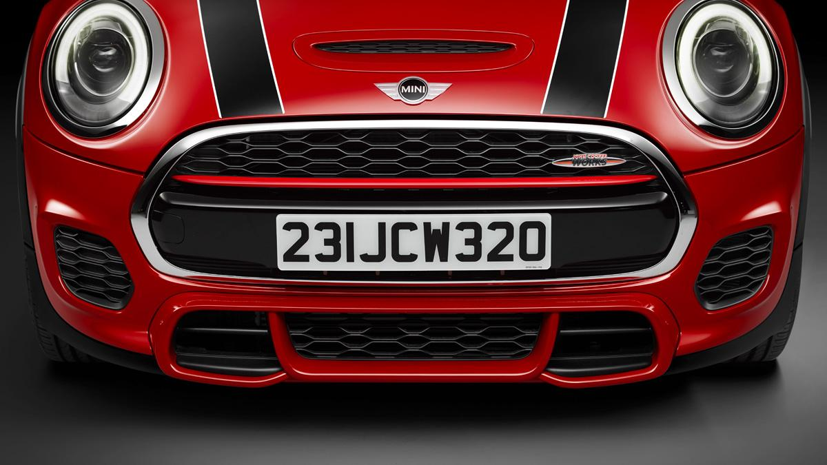 Proto Mini JCW Cabrio: se les va de las manos Nürburgring