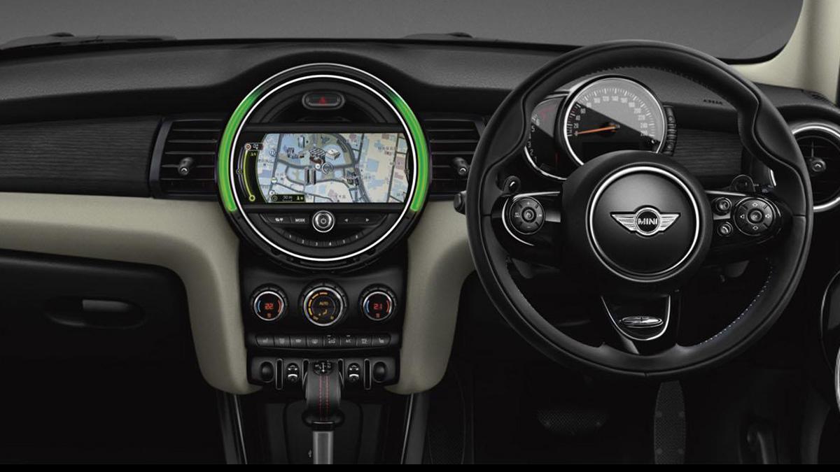 Mini Cooper S Jermyn interior