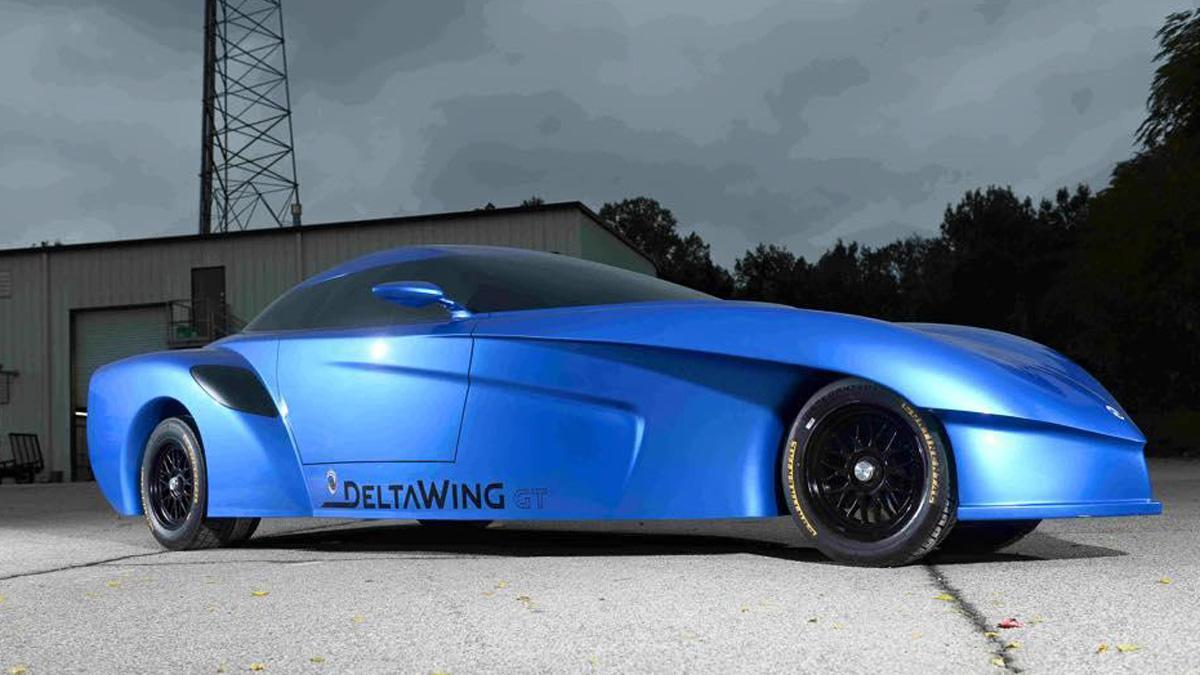 Panoz Deltawing calle