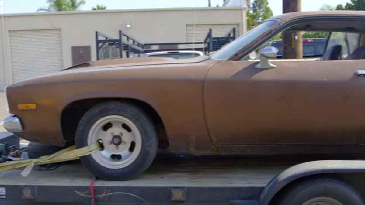 Cómo convertir un Plymouth Road Runner de 1973 en un 4x4