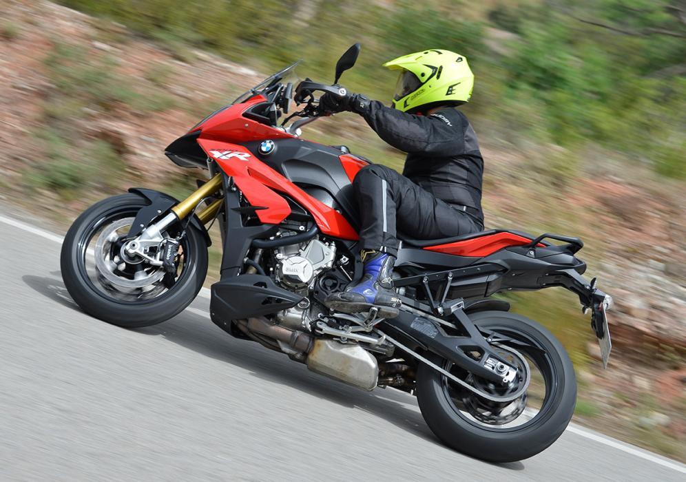 Consejos para empezar en moto: La equipacíon