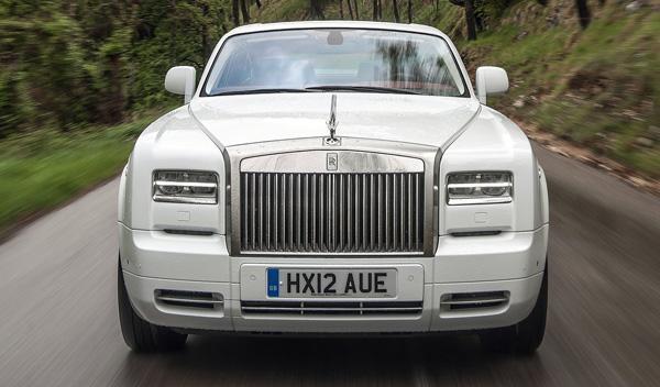 El rapero Tyga choca sus dos Rolls-Royce
