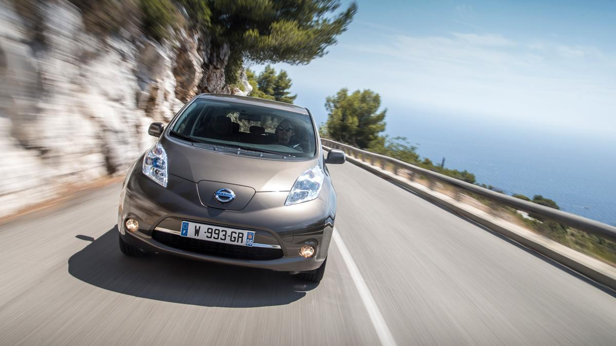 Nissan Leaf 2015 frontal