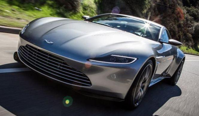 Jay Leno conduce el Aston Martin DB10