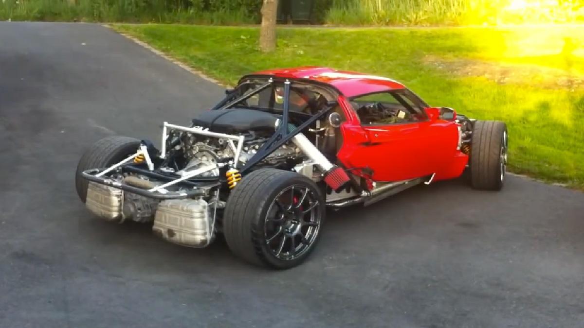 Bendita locura: mete el motor V10 del M5 a un Lotus Exige