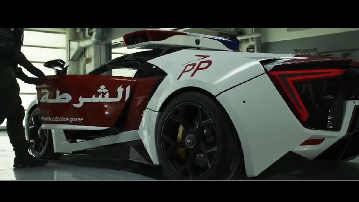 El Lykan Hypersport de la policía de Abu Dhabi: ¡en vídeo!