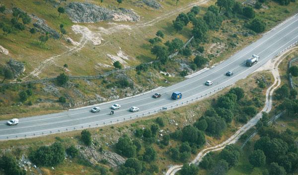 El Estado no invierte lo suficiente en carreteras