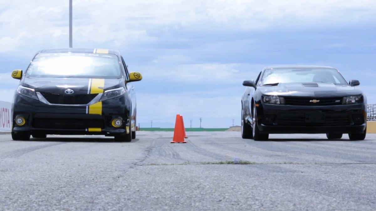 ¿Puede un monovolumen japonés con un Chevrolet Camaro SS?