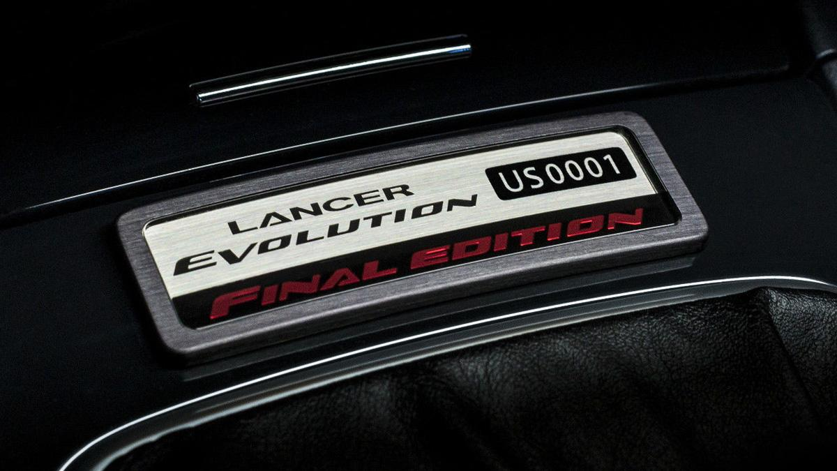 Mitsubishi Lancer Evo Final Edition placa