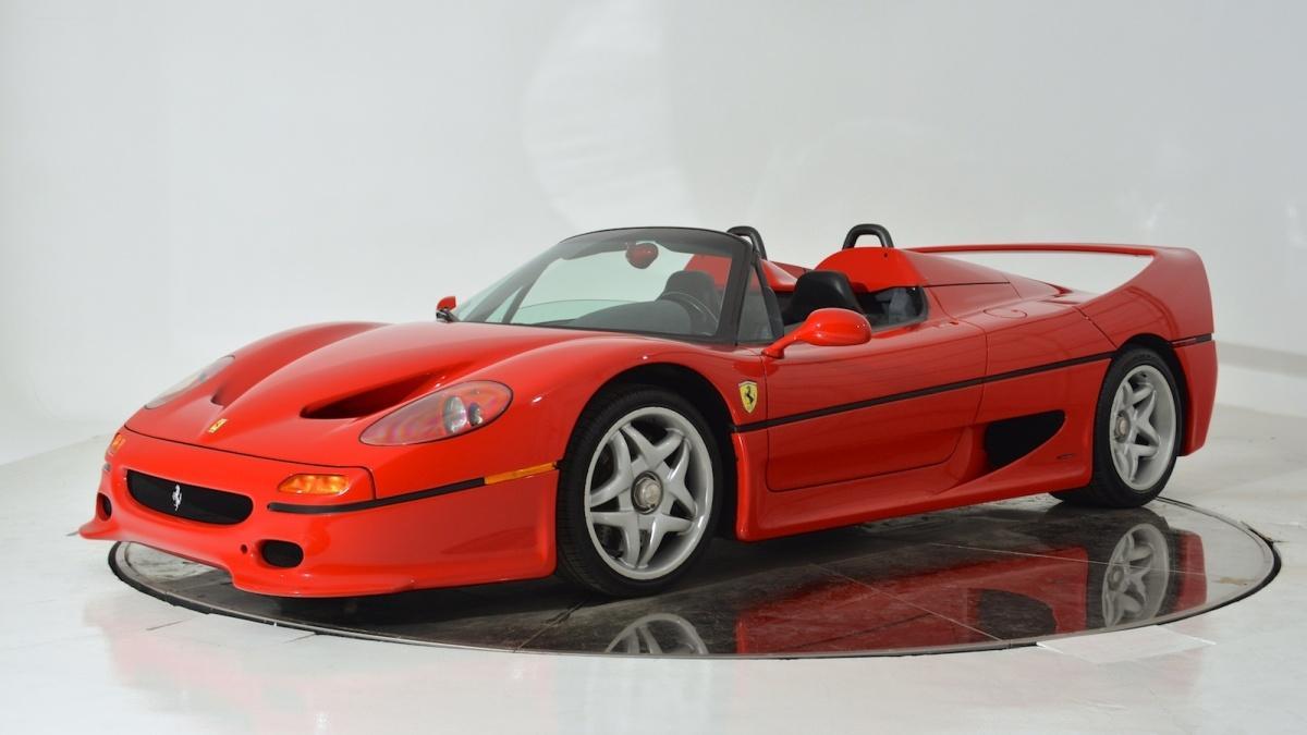 Detenido por vender un Ferrari F50 falso