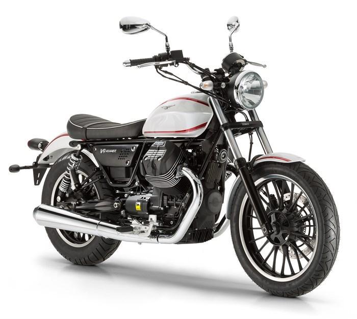 Nueva Moto Guzzi V9 Roamer, en el Salón de Milán 2015