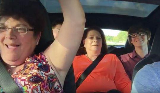Vídeo: sorprende a su familia en un Tesla Model S P90D