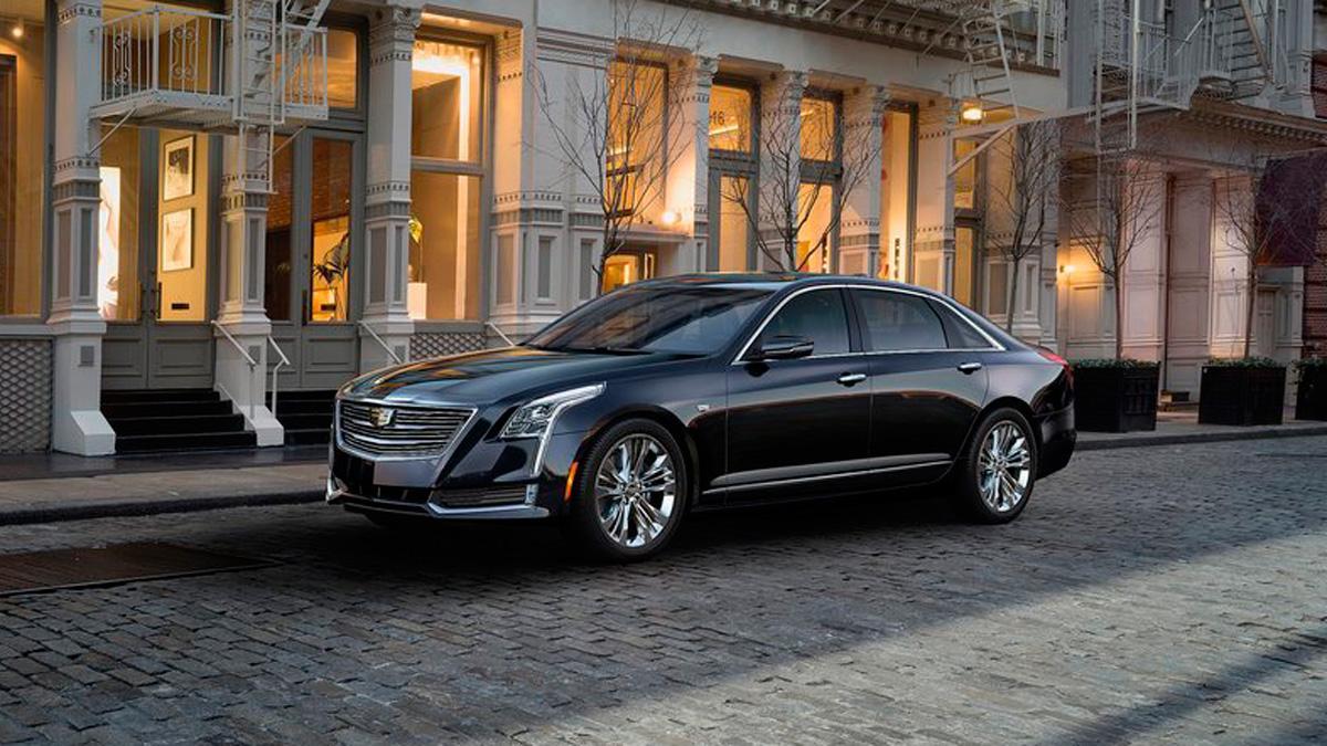 El jefe de Cadillac, indignado con tanto sedán