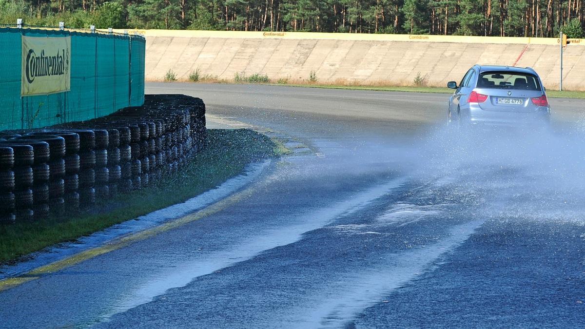 Neumáticos para todas las estaciones : ¿cuál elegir ?
