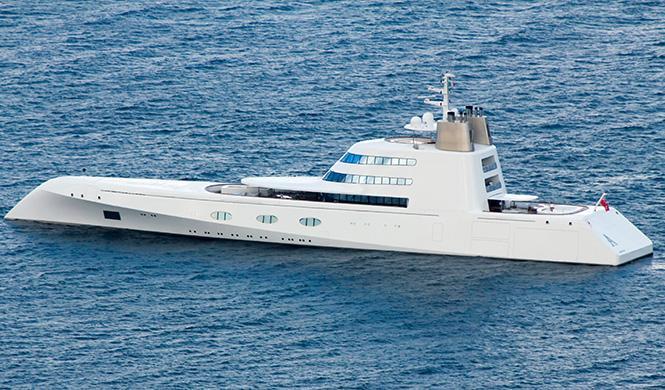 Barco de Andrey Melnichenko diseñado por Starck