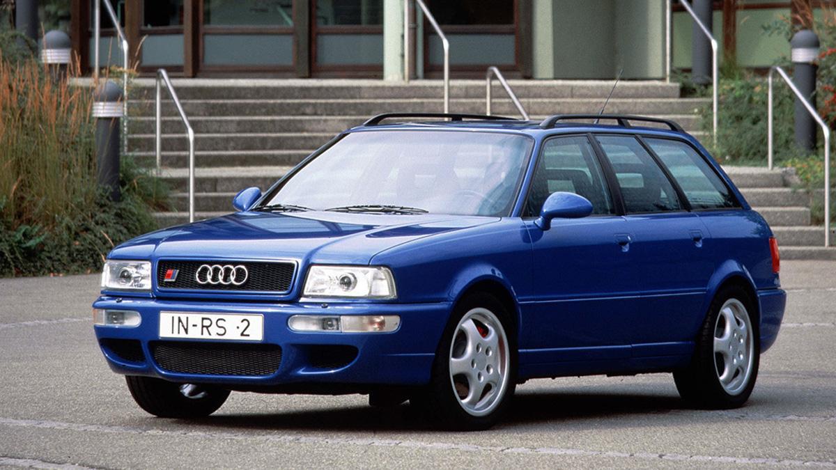 coches-lobo-piel-cordero-Audi-rs2