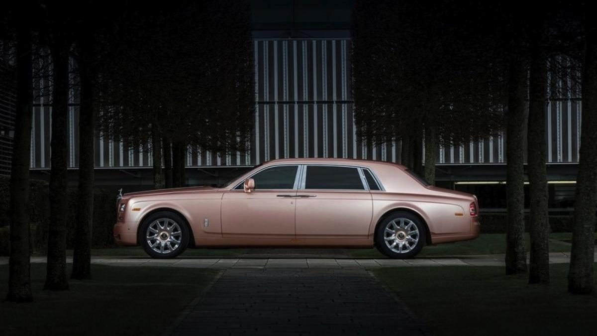 Rolls-Royce Sunrise Phantom lateral