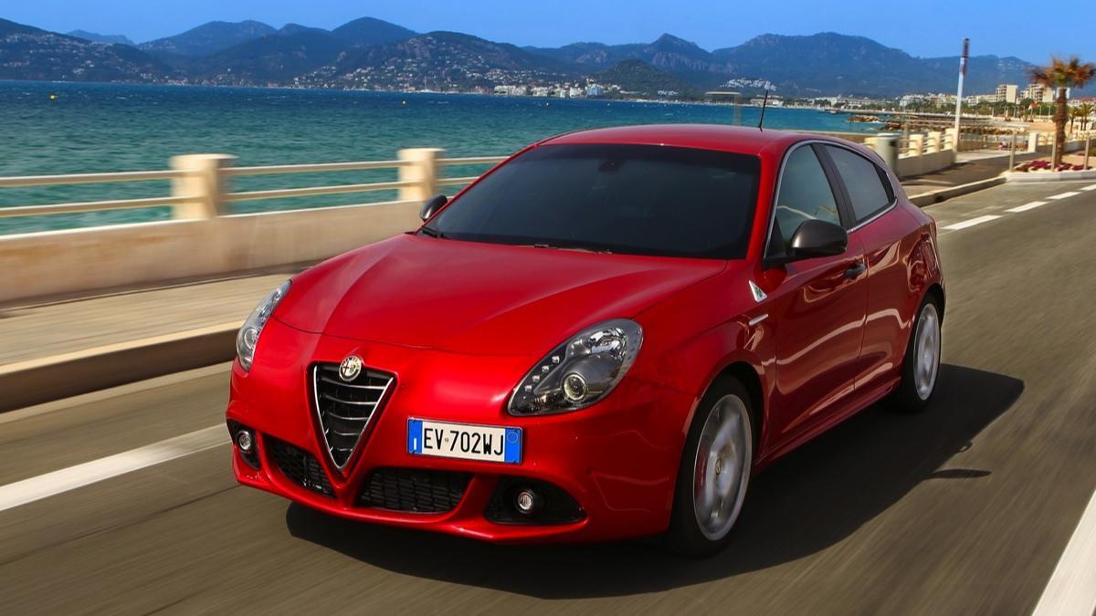 Fotos Alfa Romeo Giulietta Quadrifoglio Verde 2014