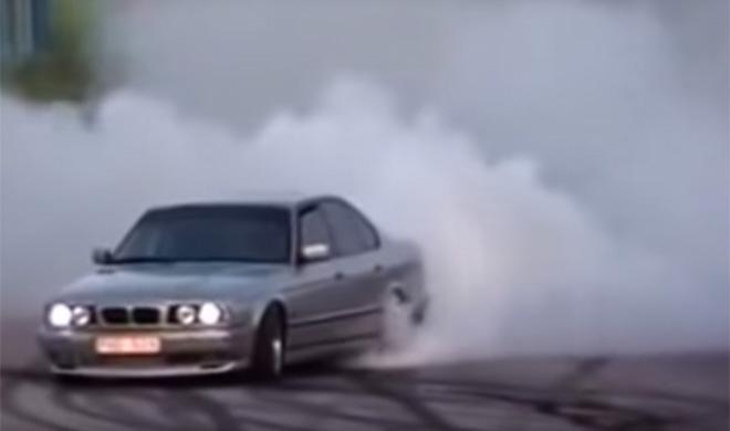 Así quema ruedas este BMW Serie 5 Turbo