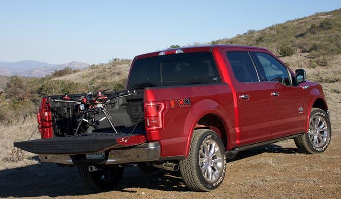 Ford apuesta por la conexión entre drones y coches