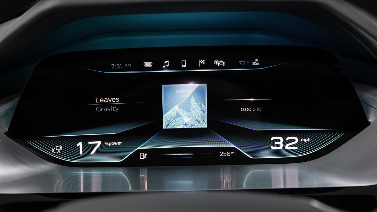 pantallas interiores audi e-tron quattro