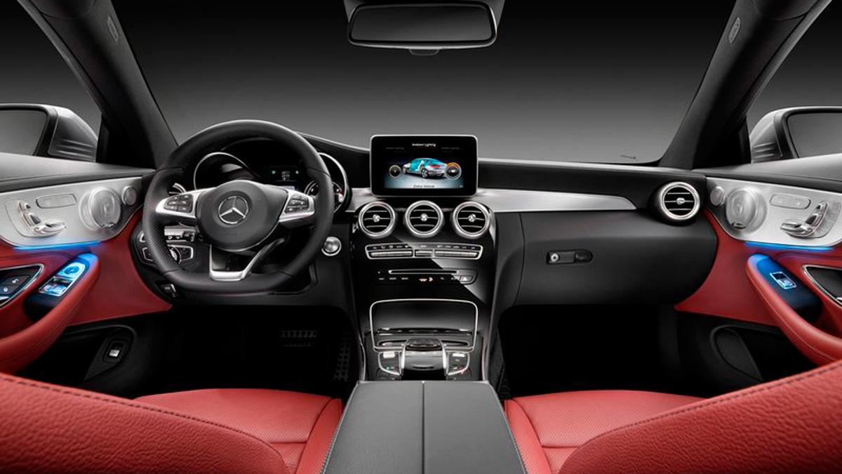 Llamada a revisión del Mercedes Clase C: falla la dirección