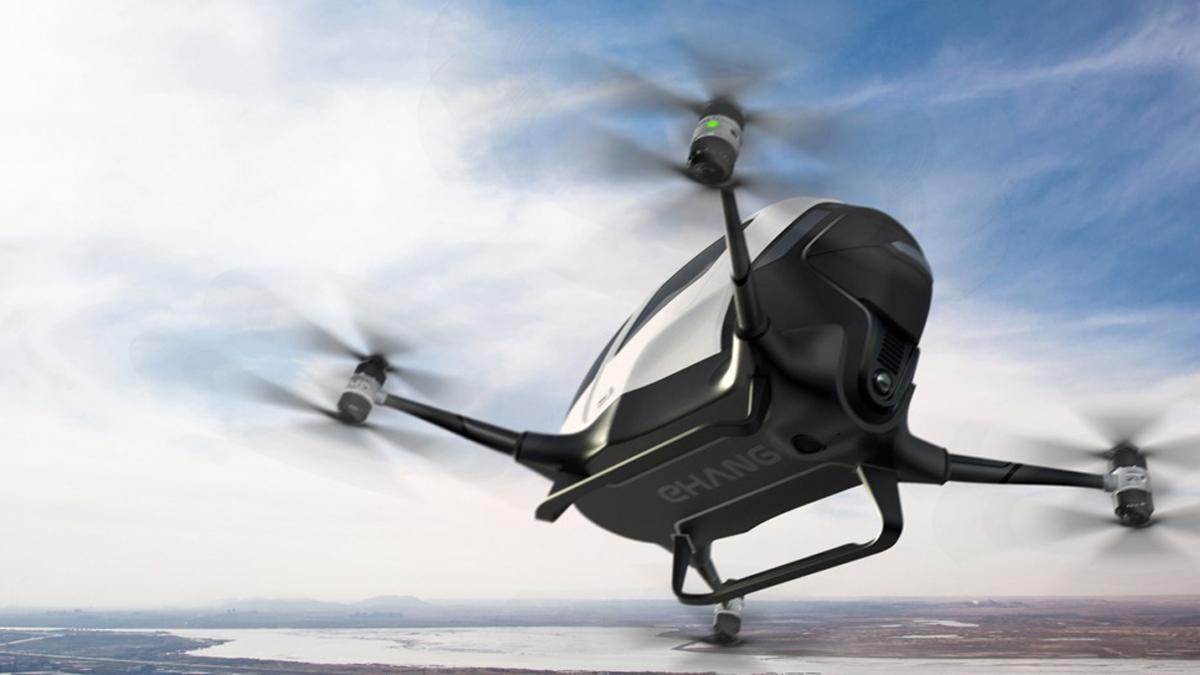 primer dron tripulado a pleno rendimiento