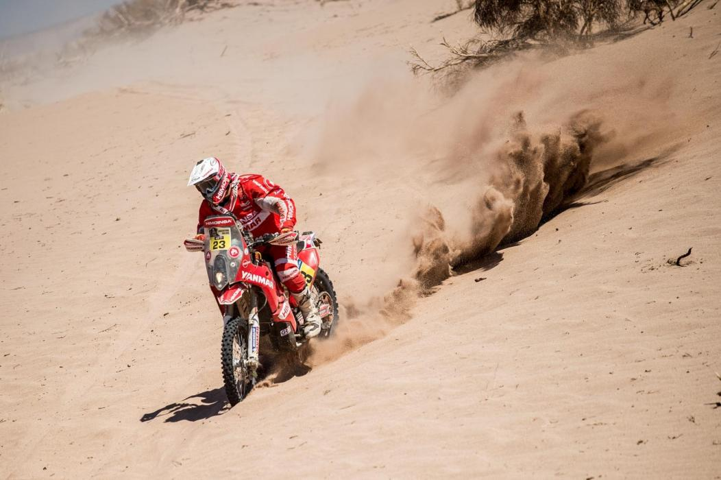 Dakar 2016: Hirvonen casi se lleva puesto a Gerard Farrés