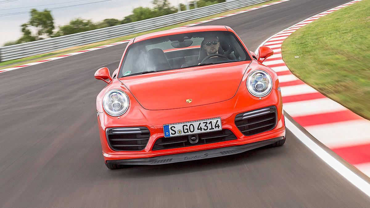 Porsche 911 Turbo S 2016