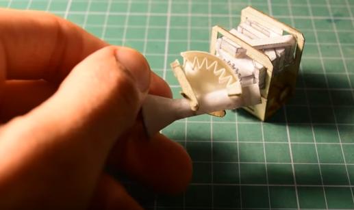 Vídeo: construye un motor V8 de papel... ¡y funciona!